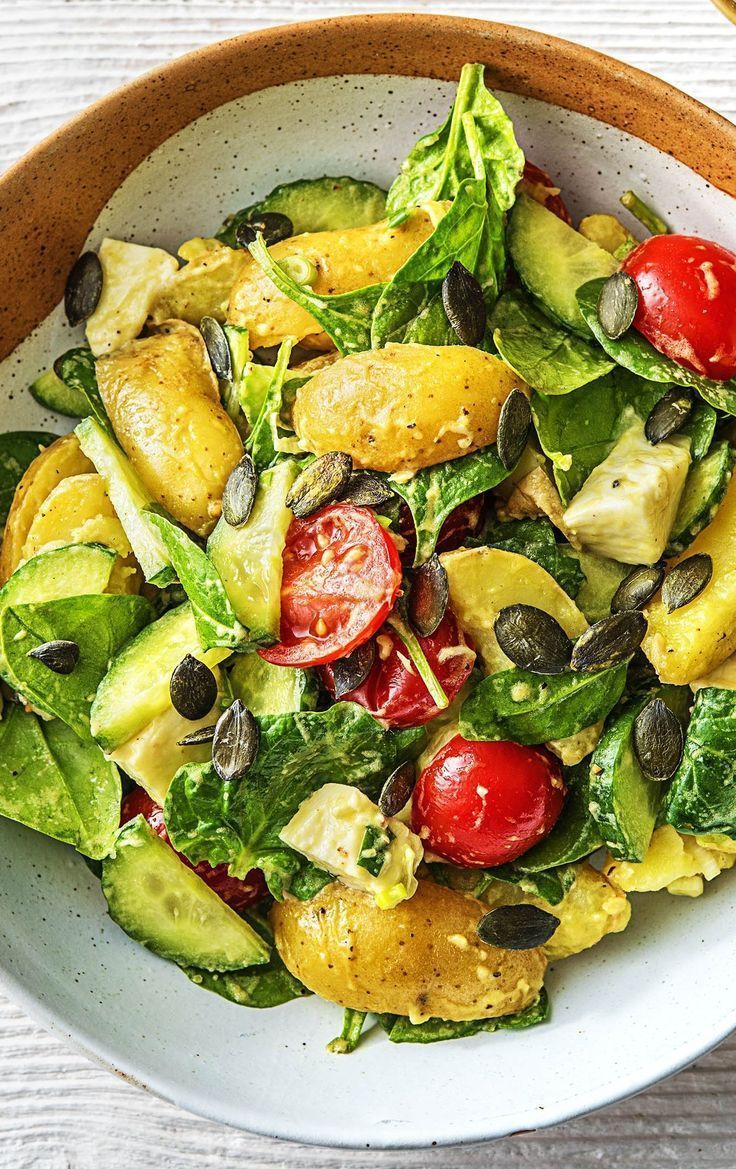 Recipe: Warm potato salad with baby spinach, cherry tomatoes, mozzarella and fre ...