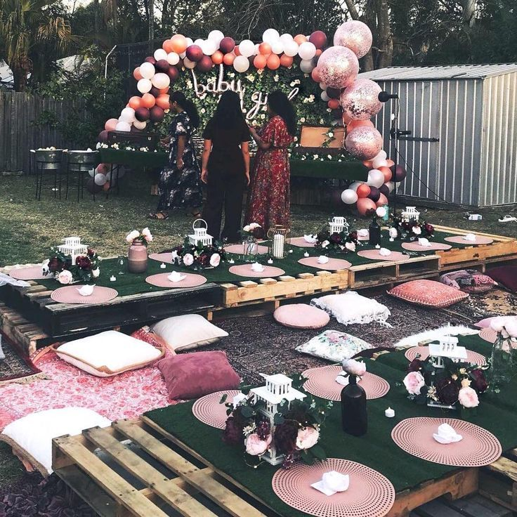 DIY pallet tables ideas for outdoor #enbereich #ideen #palettentisch ...