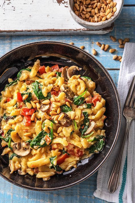 Recipe: Summer Spinach Spätzle Pan in Creamy Sauce with Pine Nuts Di ...