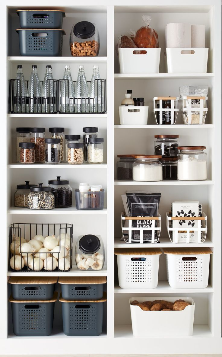 Trend Report: Black & White Kitchens | Container Stories