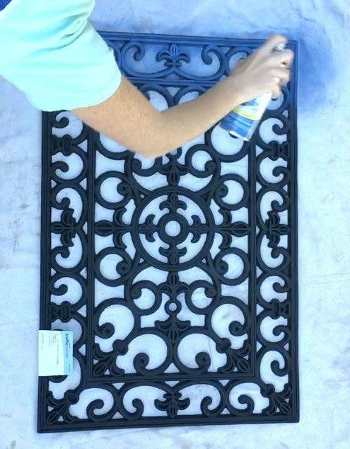 Rubber doormat wall decor in 30 minutes - house designs