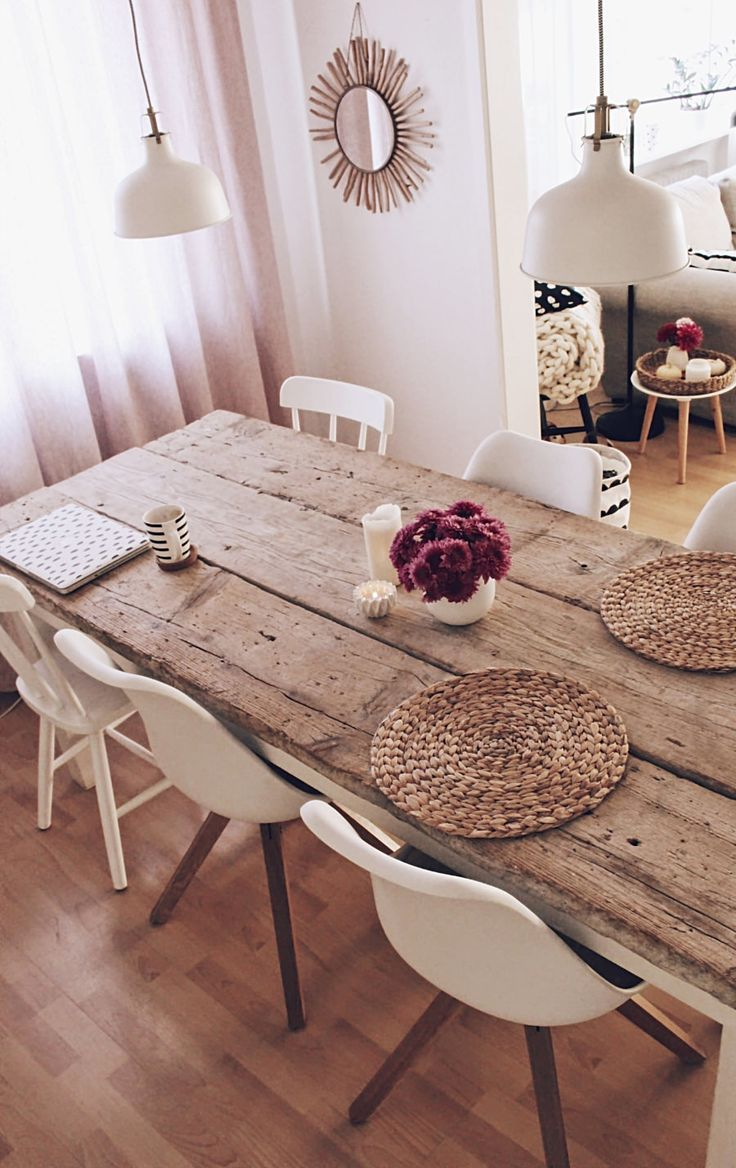 DIY build your own dining table - table from old building planks