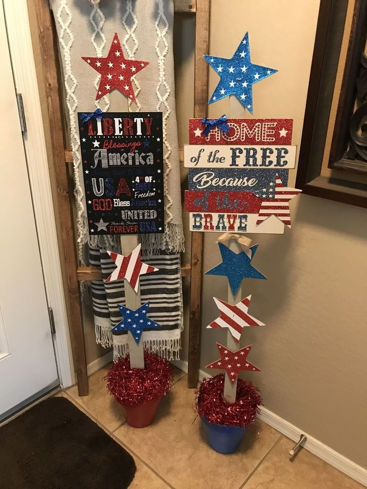 DIY 4th of July decorations for your front porch or entryway this summer. Holida...