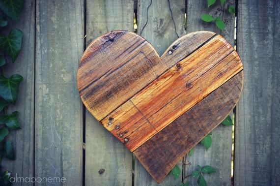 Reclaimed Pallet 13 Wood Heart  Rustic Country Farm image 2