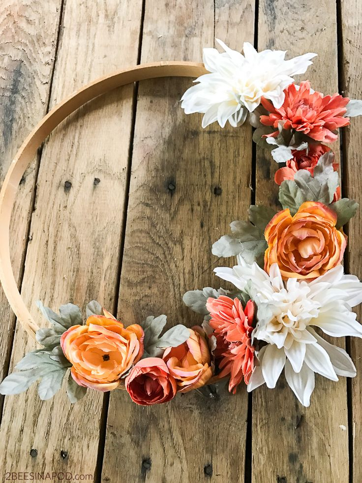 Embroidery hoop wreath. Fall wreath made with embroidery hoop. Spring Wreath. DI...