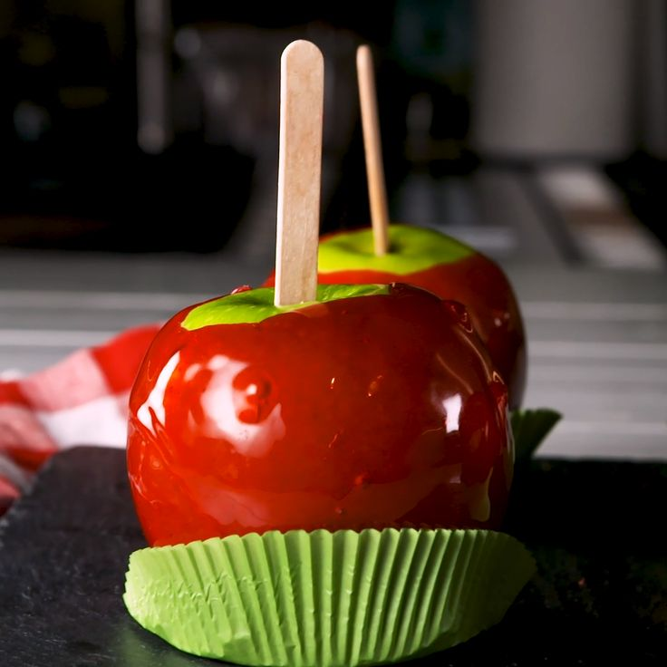 Best-Ever Candy Apples