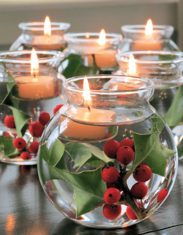 DIY table decoration ideas for Christmas, floating candles with berries