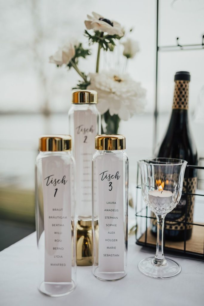 Unique menu cards for your wedding. With the help of a glass bottle of Blo ...