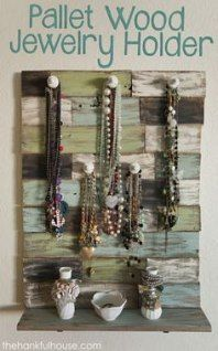 Jewerly holder pallet hangers 70+ ideas   - Jewerly (Safety Pin) - #hangers #Hol...