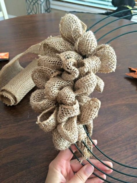 How To Make A Fall Burlap Bubble Wreath - Sobremesa Stories                     ...