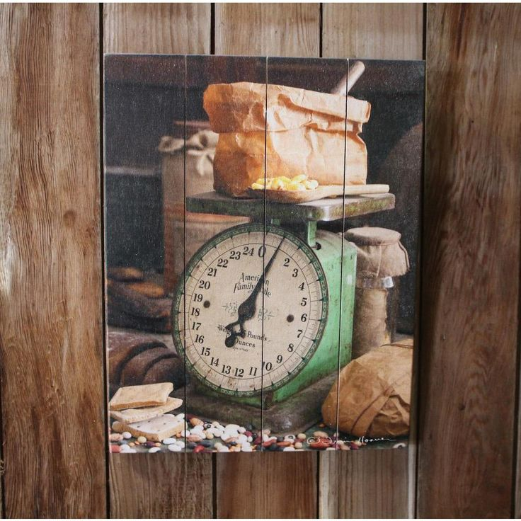 Old Scale - Wooden Pallet Photo