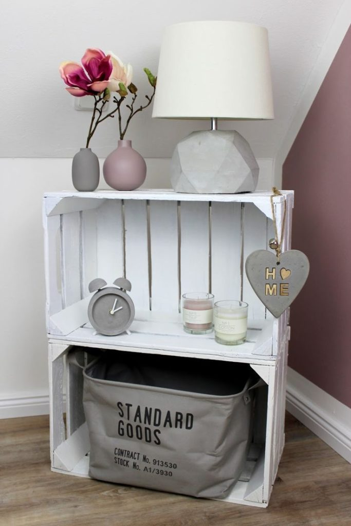 build super DIY furniture: Bedside table / bedside table made of fruit boxes very easy! #a ...