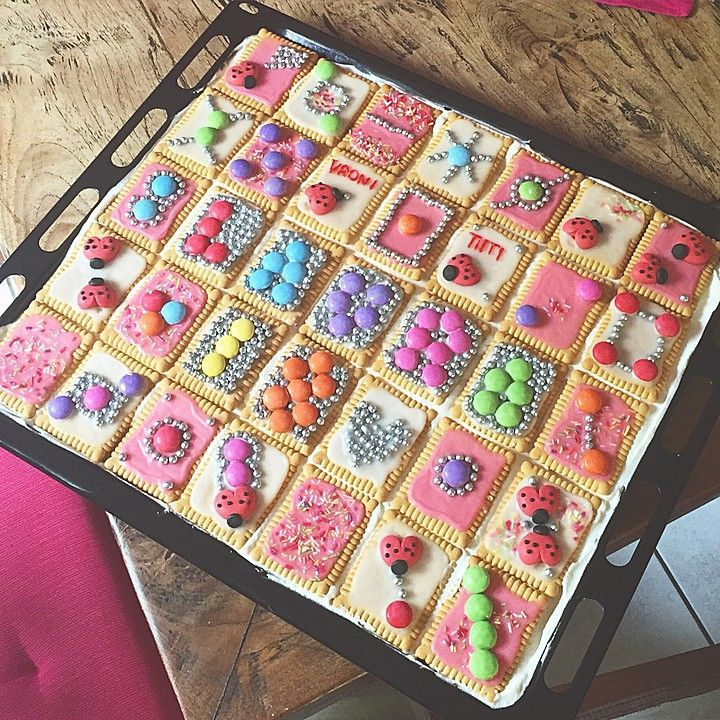 Shortbread biscuit, a nice recipe from the cakes category. Reviews: 410 ...