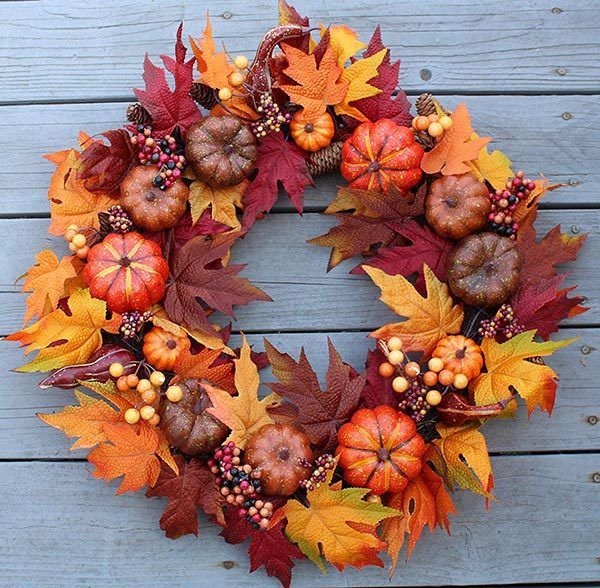 22 Mesmerizing Fall Wreaths Will Make Your Neighbors Want to Steal Them