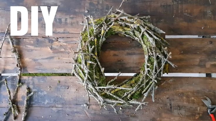 DIY moss wreath with branches: explained step by step