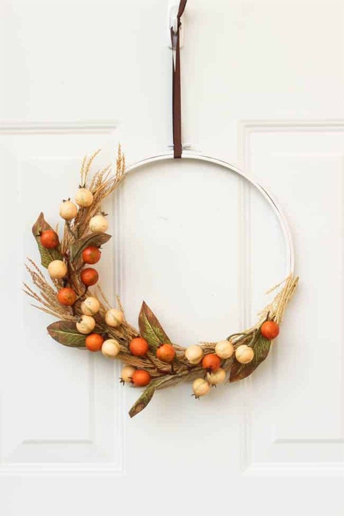 8 Easy And Inspiring DIY Fall Wreaths You Can Make At Home | Posh Pennies