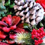 DIY wax pinecones for seasonal winter DIY holiday home decor on a budget. Christ...