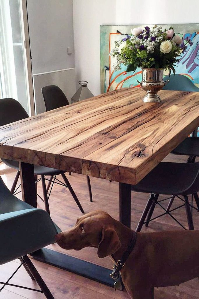 Dining table Solid wood table Walnut Wooden table Natural edge | Holzwerk-Hamburg More