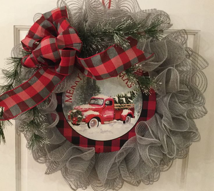 Excited to share the latest addition to my #etsy shop: Red truck wreath, Christm...