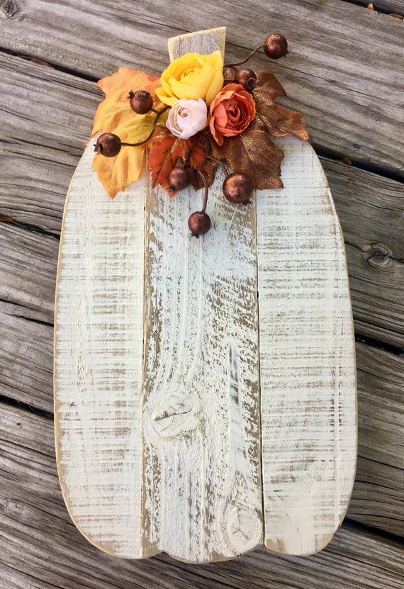 Gorgeous barnwood Pumpkin!!! 🎃 Hand cut from reclaimed barn wood and pallet l...