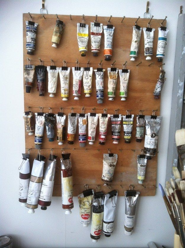 Hang paint hoses with binding clips. #pend # binders #colorful ...
