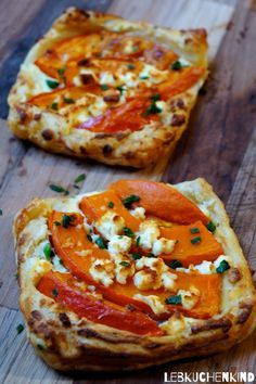 Hearty pumpkin particles with puff pastry and sheep's cheese