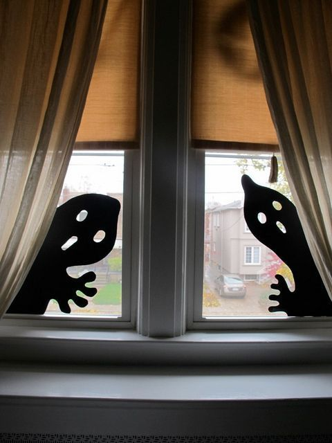 How To Decorate The Windows Of Your Home For Halloween #Decorate #window ...