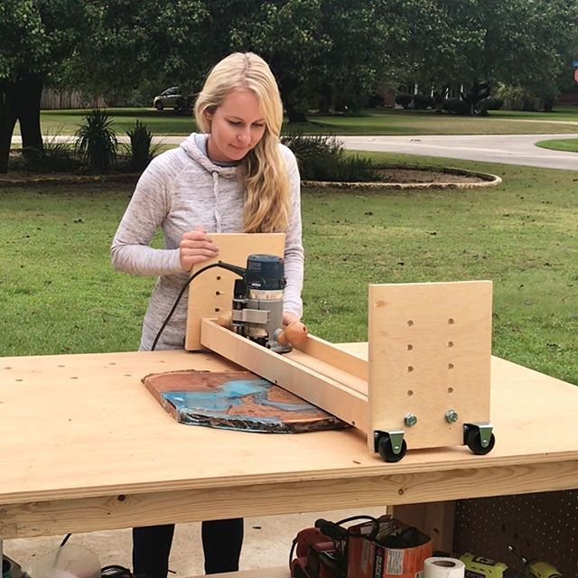 How to Make a Sled Flat Router - #Flattening #Router #sled #workbench #WoodWorking
