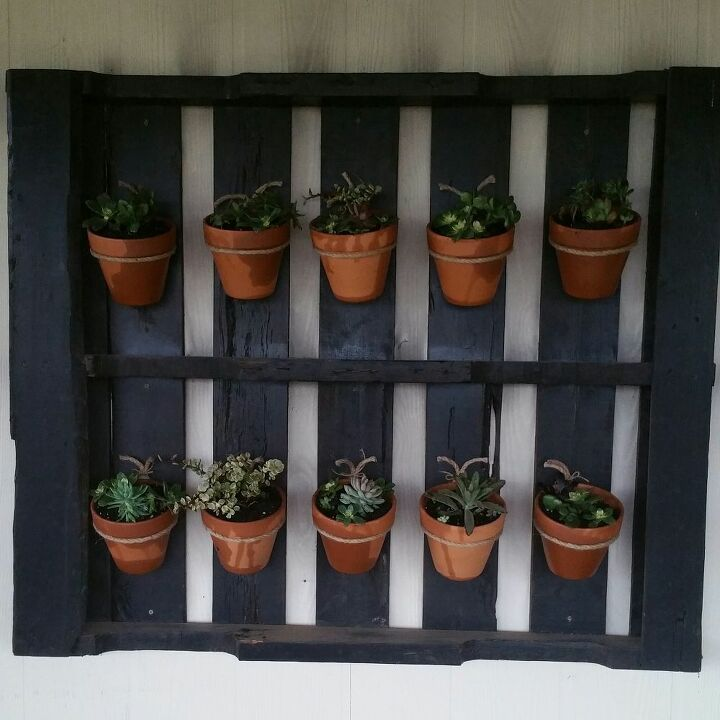 How to Turn a Pallet Into a Plant Hanger DIY | Hometalk