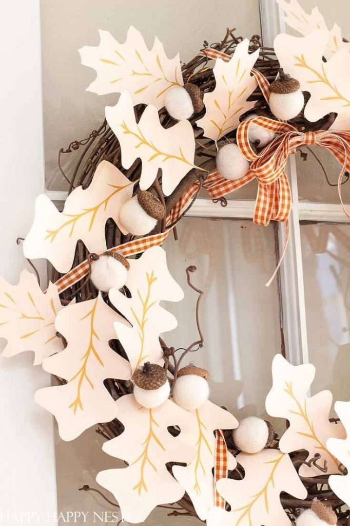Need some Fall Wreath Ideas DIY? This paper wreath DIY is so easy to make, and t...