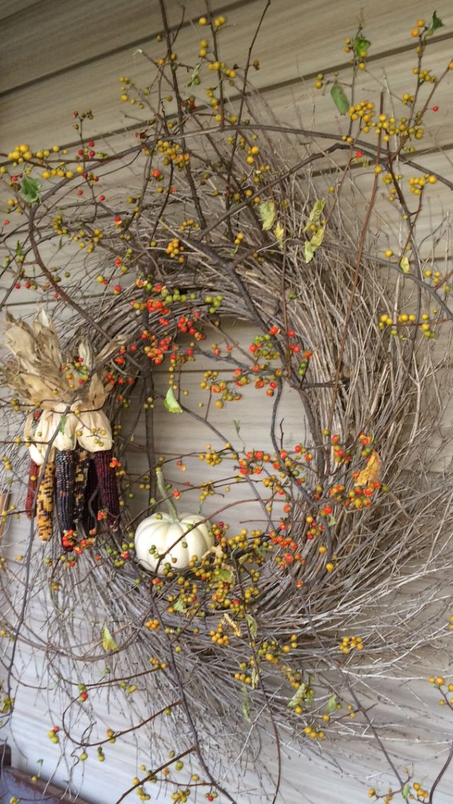 Primitive gorgeous wreath, celebrating nature... Fall outdoor | indoor inspirati...