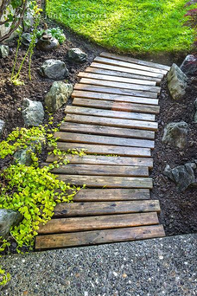 make a pallet wood walkway for your garden, diy, flowers, gardening, landscapes,...
